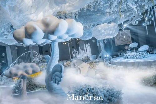 浮在云端上的空中城堡,是小泡芙的天空之城