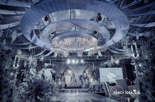 梵西婚礼:这场梦幻的蓝色婚礼,惊艳了上万人